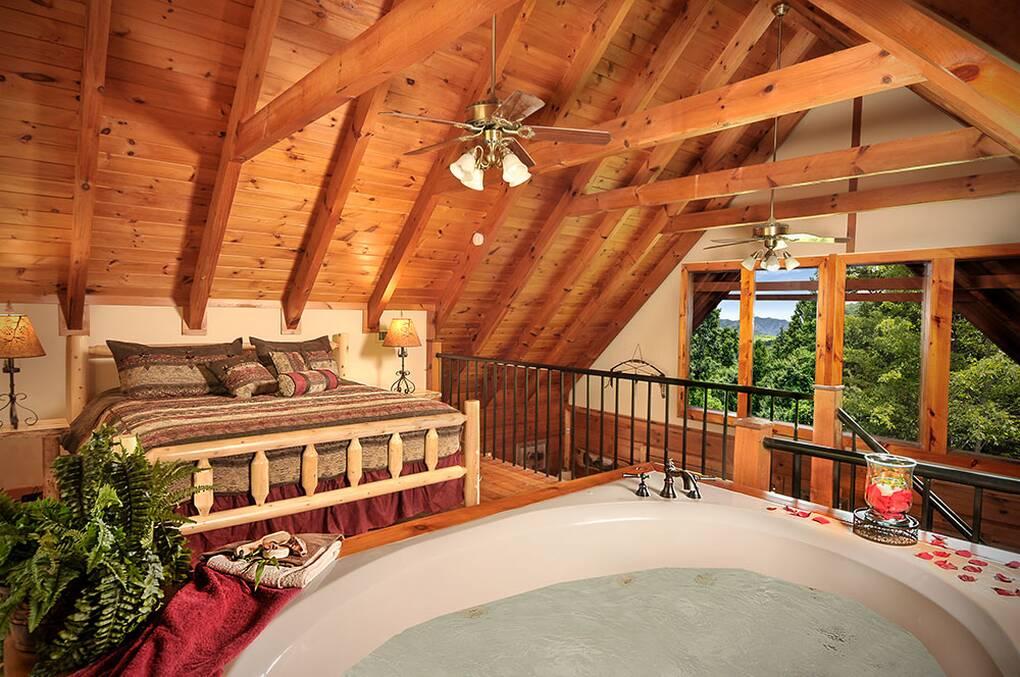 Tonto\'s Hideaway - 1 Bedroom Gatlinburg Rental