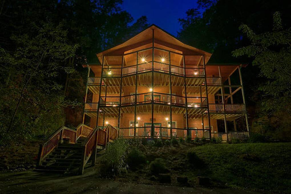 King of the mountain 4 bedroom cabin rental - 4 bedroom cabins in gatlinburg tn ...