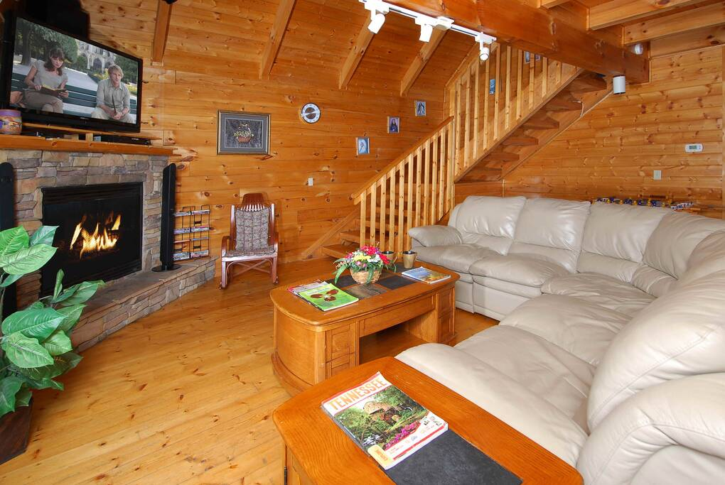 bears cabin exterior pigeon tn forge sunset in cabins rental cottage bedroom grinnin county rentals sevier