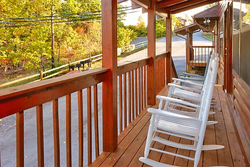 TimberLodge_TT-Timber-Lodge-deck2