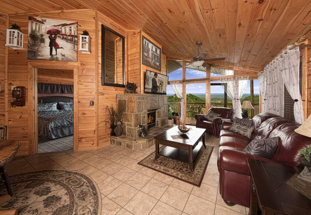 Bearly Rustic 1 Bedroom Cabin Rental