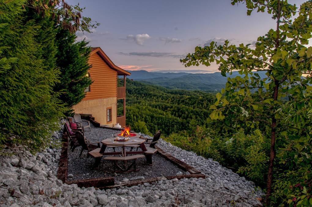 Beary Special 4 Bedroom Cabin Rental
