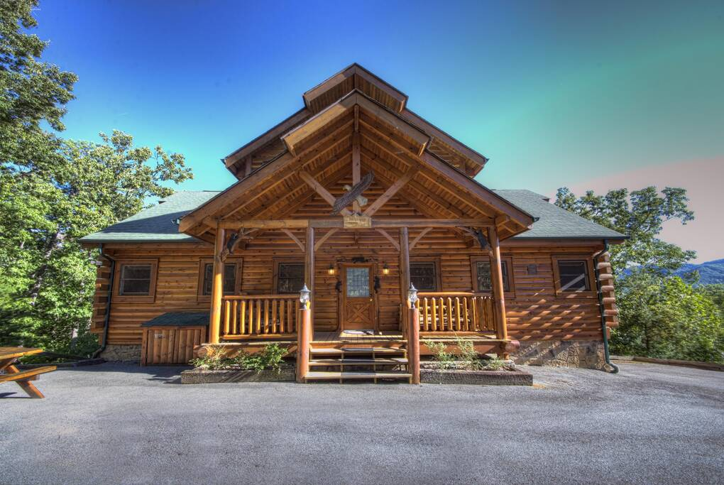 4 Bedroom Cabins in the Smoky Mountains - Timber Tops Cabin Rentals