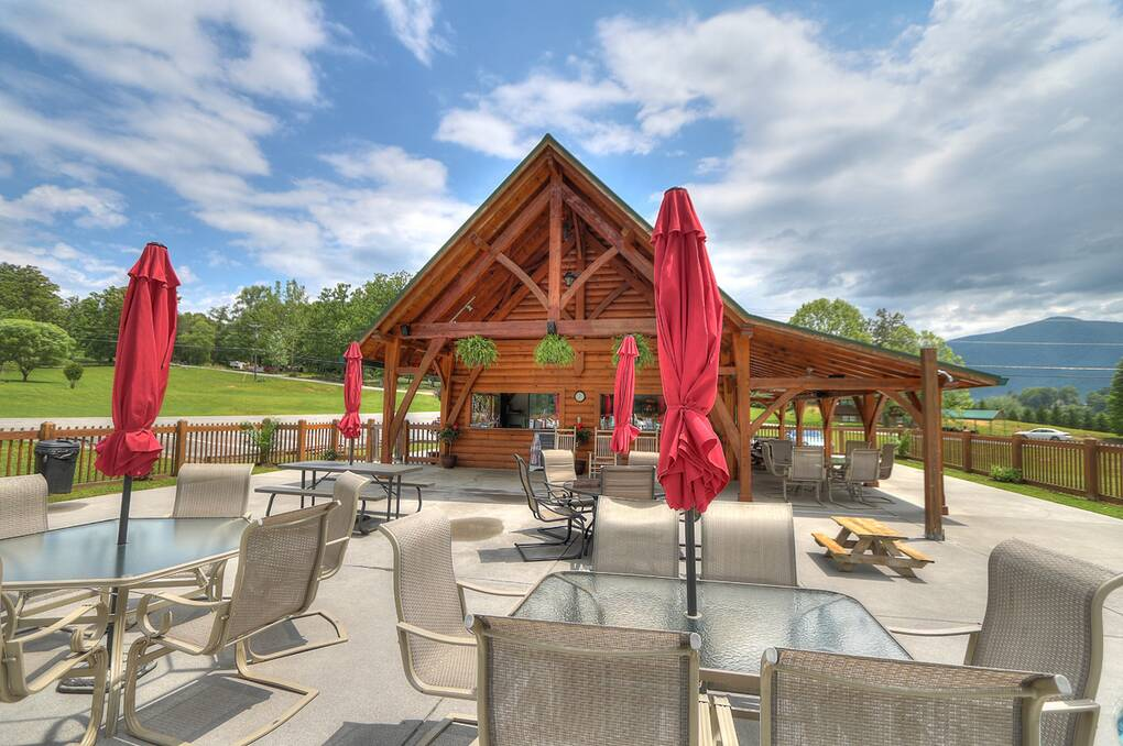 Where eagles fly 4 bedroom cabin rental for Eagles view cabin sevierville tn