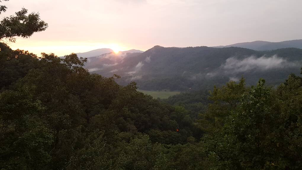 2 bedroom cabins in the smoky mountains sunset over for Www cabins of the smoky mountains com