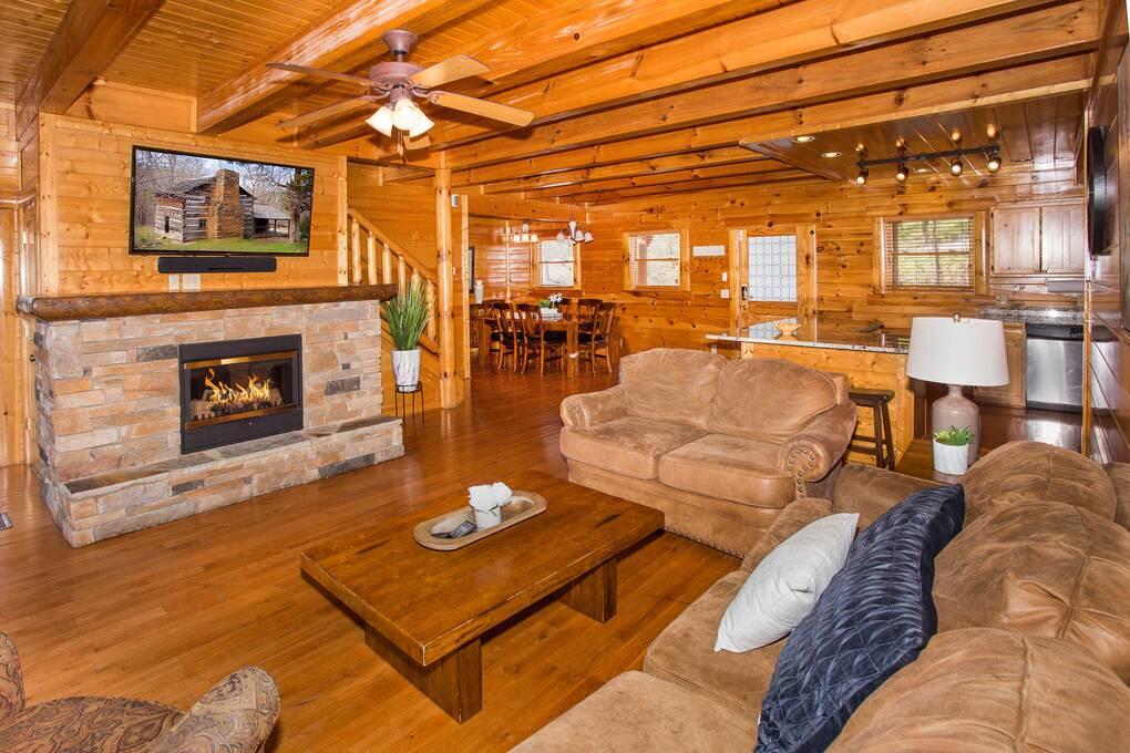 Heaven sent 4 bedroom cabin rental for Heavenly cabin rentals