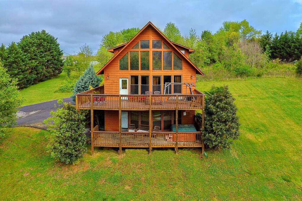 River view 3 bedroom cabin rental for River view cabins