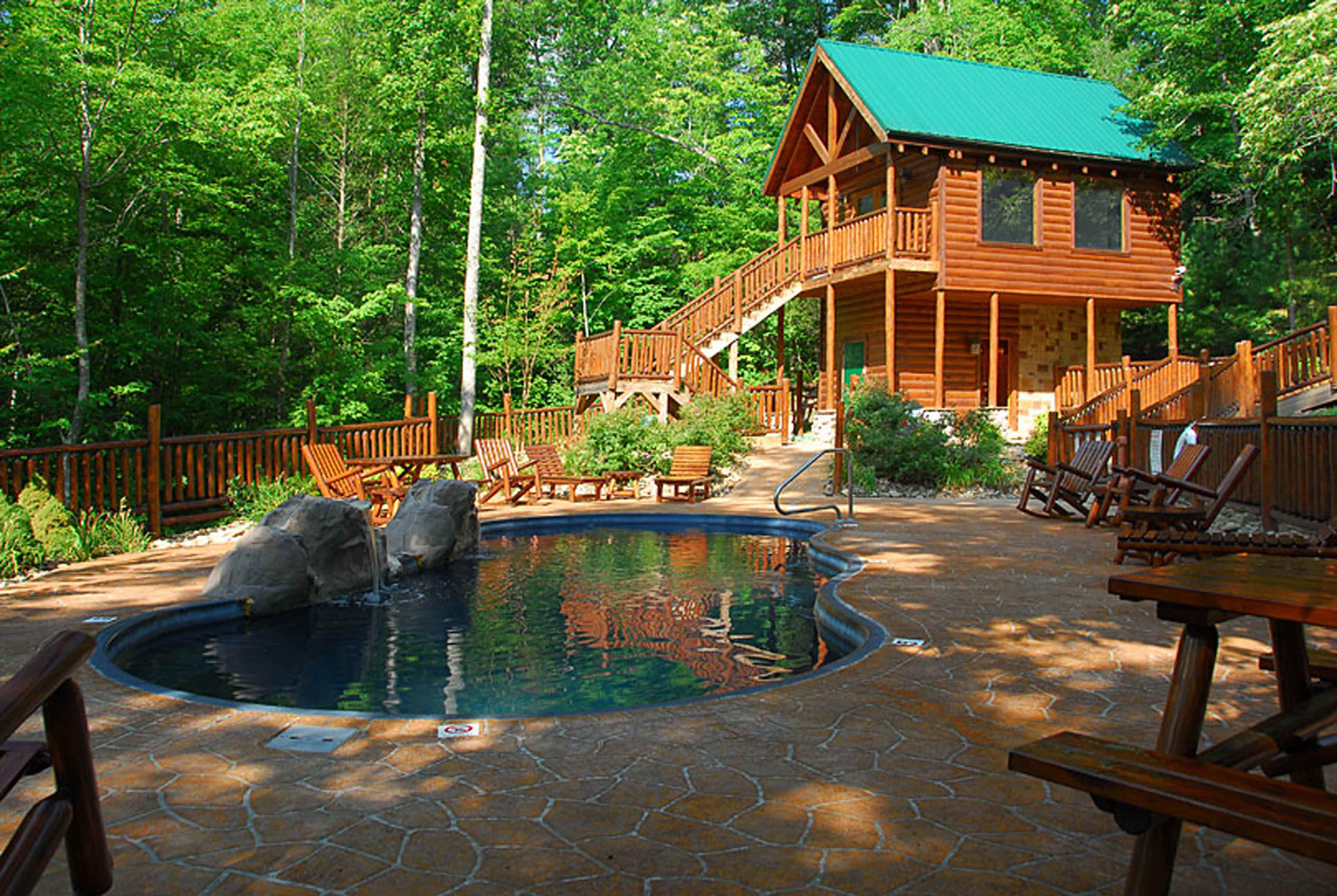 Black Bear Ridge 4 Bedroom Cabin Rental