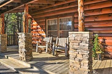 Hidden Hideaway 3 Bedroom Cabin Rental