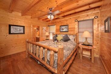 OEWings_TT-On-Eagles-Wings-2015-Bedroom-1-A-Main-Level