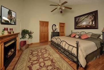 ChangesInLa_Changes-in-Latitude-2014-Bedroom-C