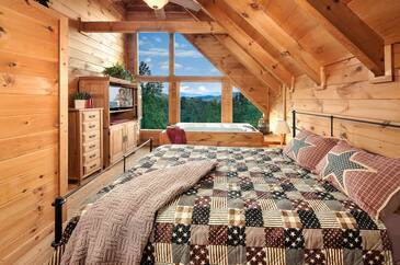 ArborPoint_TT-Arbor-Point-Partial-2016-Bedroom--1-Upper-Level