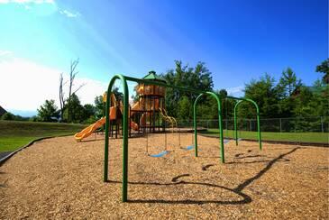 StarrCrestR_Starr Crest Playground 2